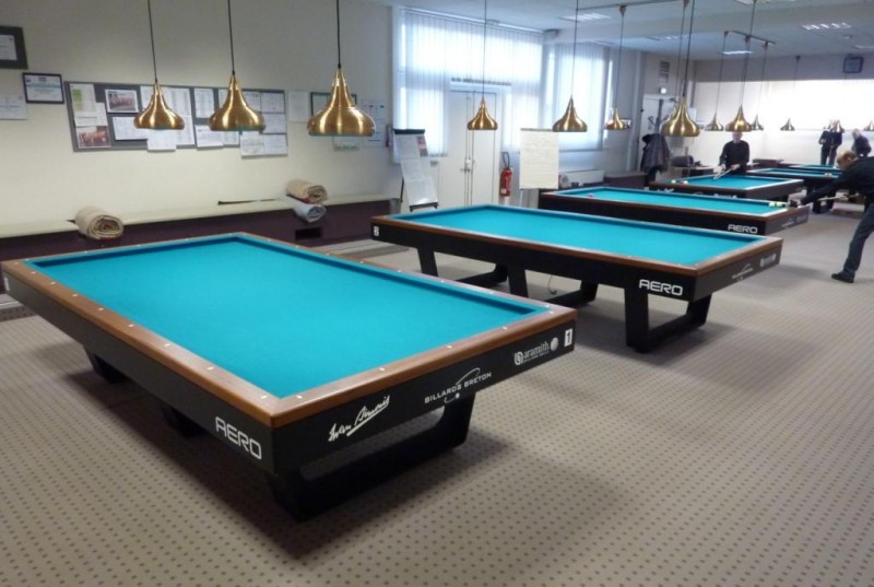 billard table nantes. Black Bedroom Furniture Sets. Home Design Ideas