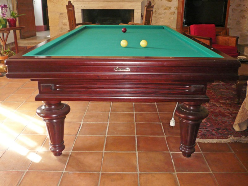 vends billard fran ais chevillotte 260 f d ration. Black Bedroom Furniture Sets. Home Design Ideas